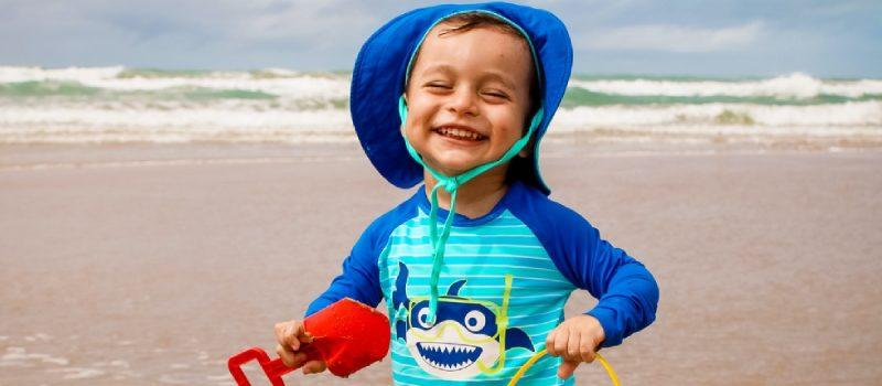 Encontre roupas de bebê com proteção UV aqui na Os Pimpolhos