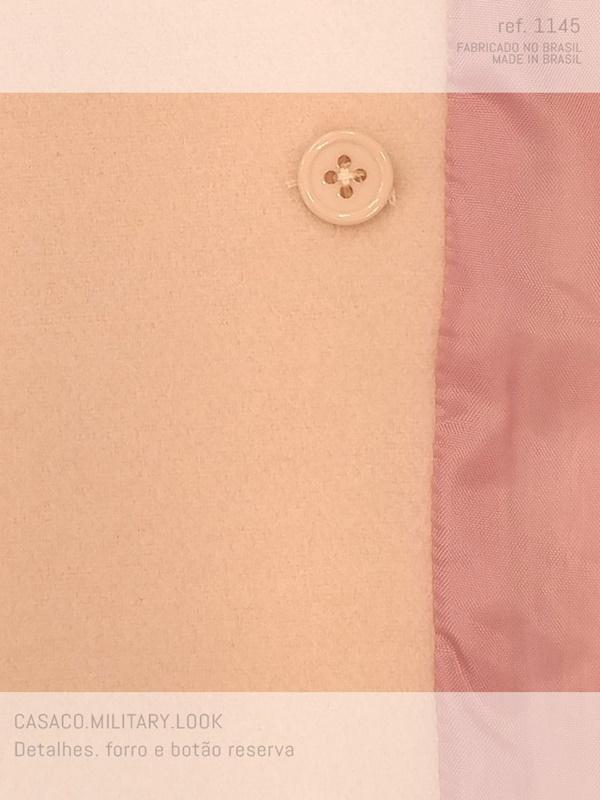 veja como é por dentro do casaco curto de lã