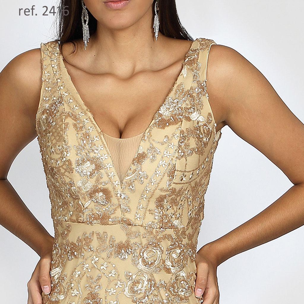 vestido dourado de festa