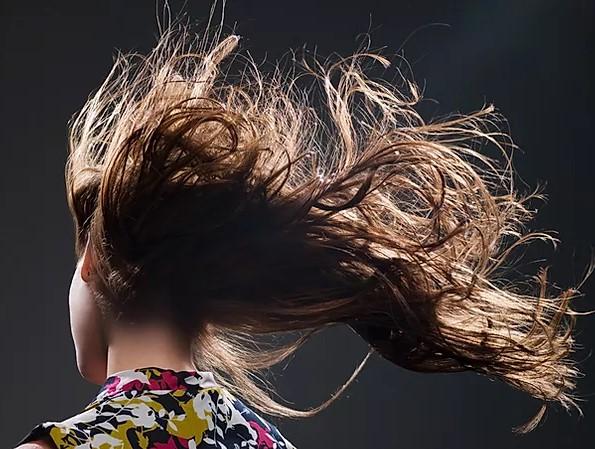 shampoos naturais deixam os cabelos saudáveis e brilhantes