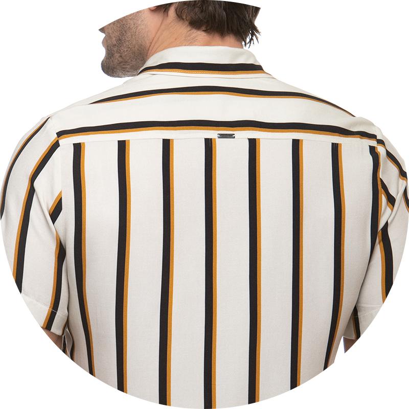detalhe camisa social