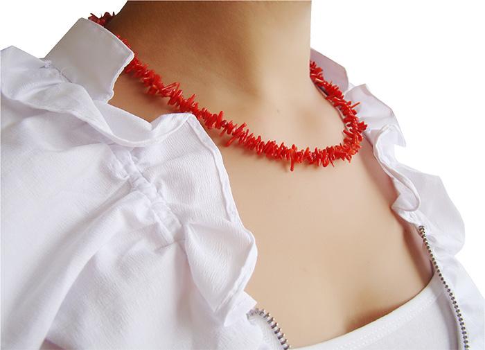 colar de coral galho vermelho