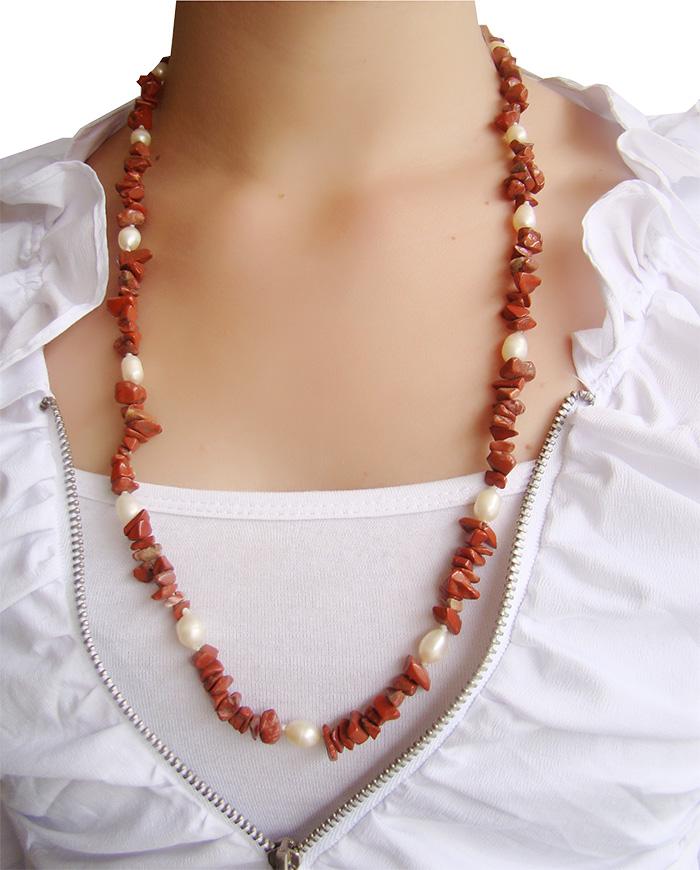 colar de cascalho de jaspe vermelho