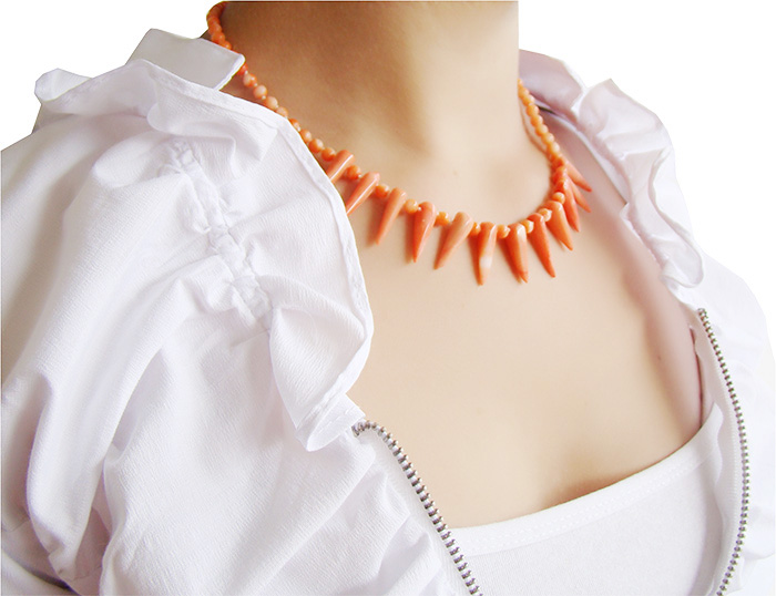 coral de coral laranja com prata