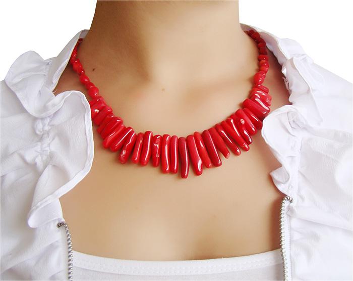 colar de coral vermelho palito