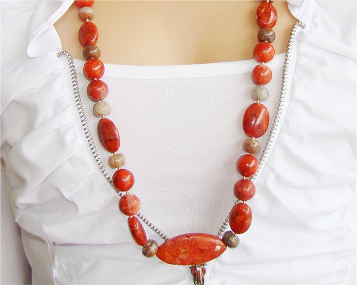 colar de coral vermelho