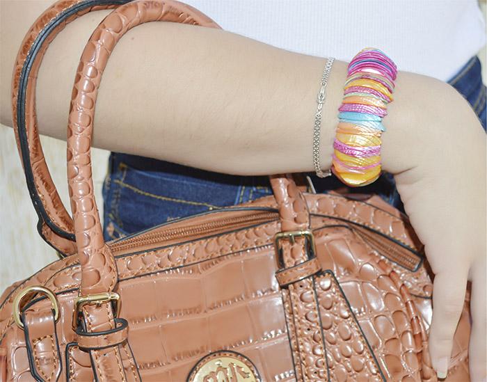 pulseira colorida de madrepérola
