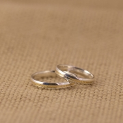 Alianças Namoro Abaulada Linha Prata e Ouro Fina (3mm)