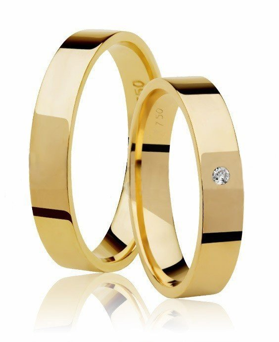 Aliança de Ouro 18k Classic Square Anatômica e 1,5 Pontos de Diamante - Unitária (3.85mm)