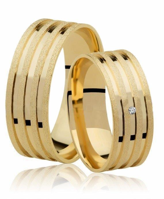 Aliança Diamantada de Prata  Banhada a Ouro 7 mm Casamento AB7018