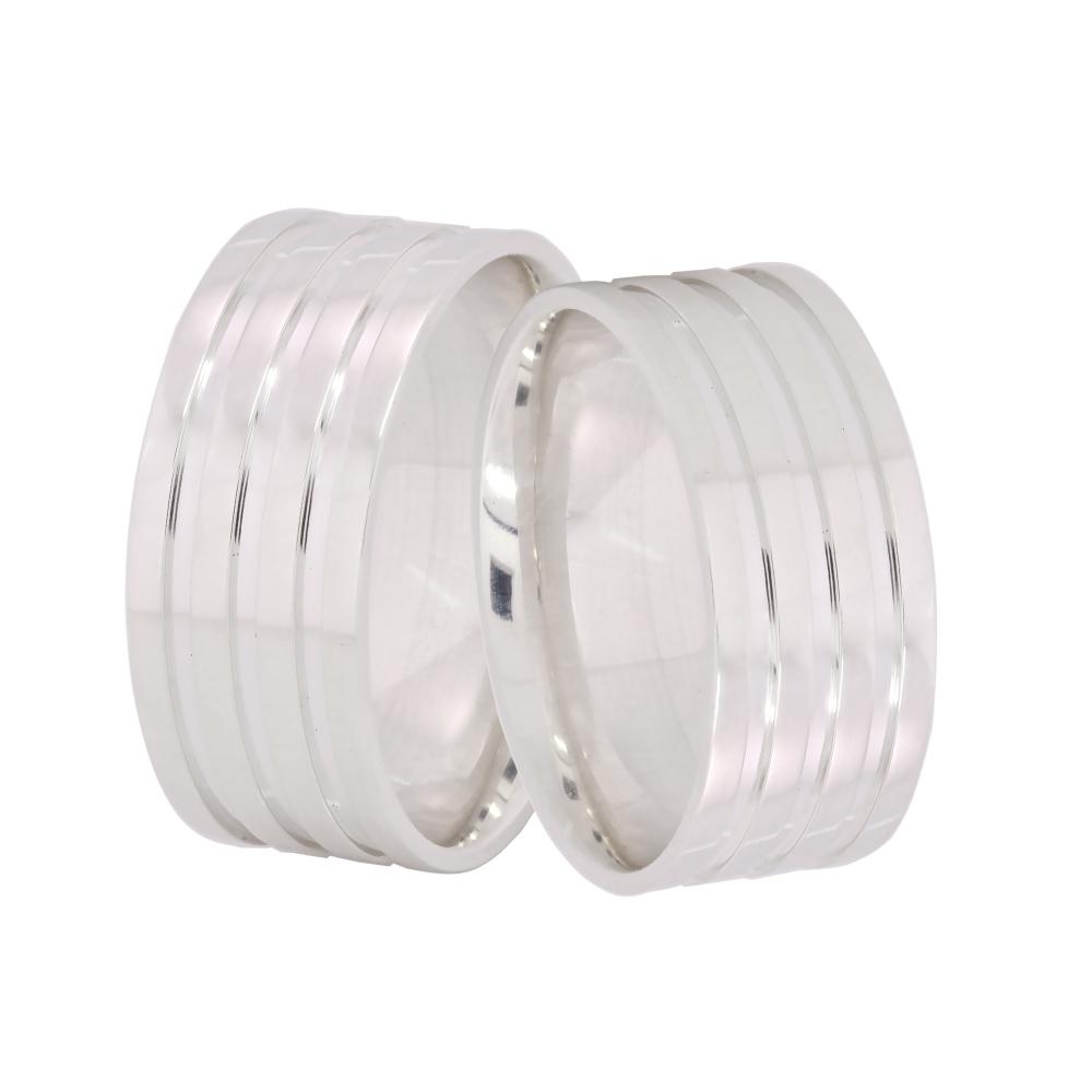 Alianças Namoro Anatatômica de Prata 9 mm com 3 Filetes AP6024