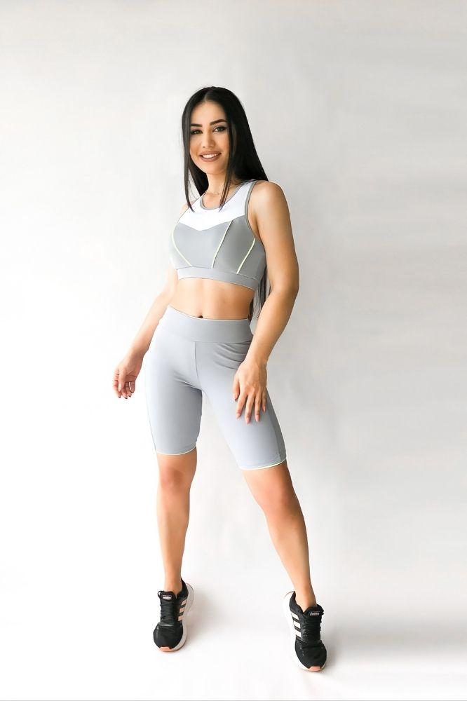 Bermuda Fitness Feminina Cinza com detalhe Neon