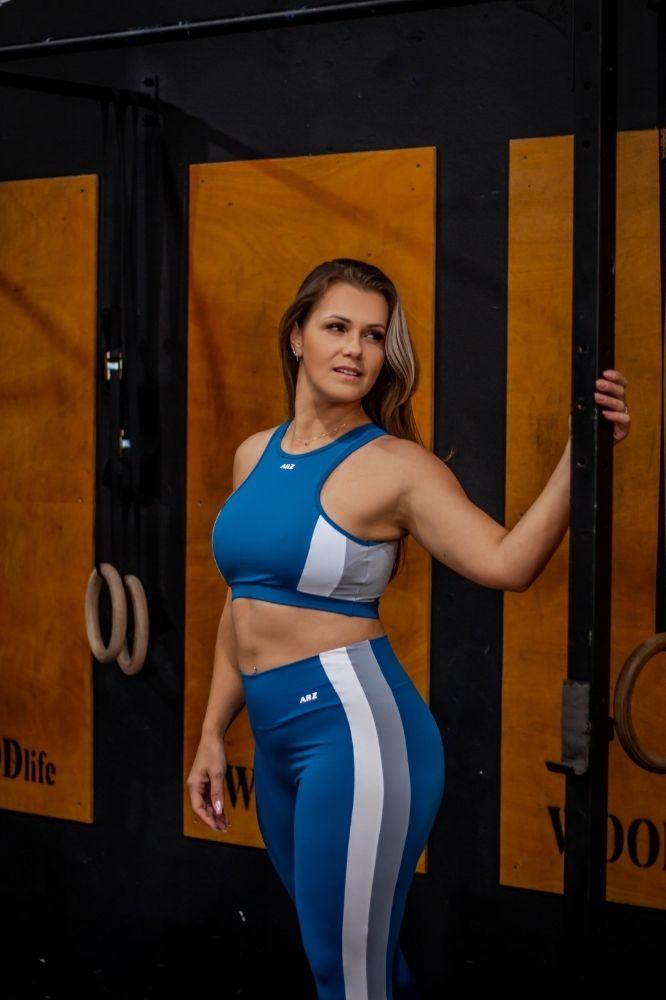 Top Fitness Azul com detalhe Branco e Cinza
