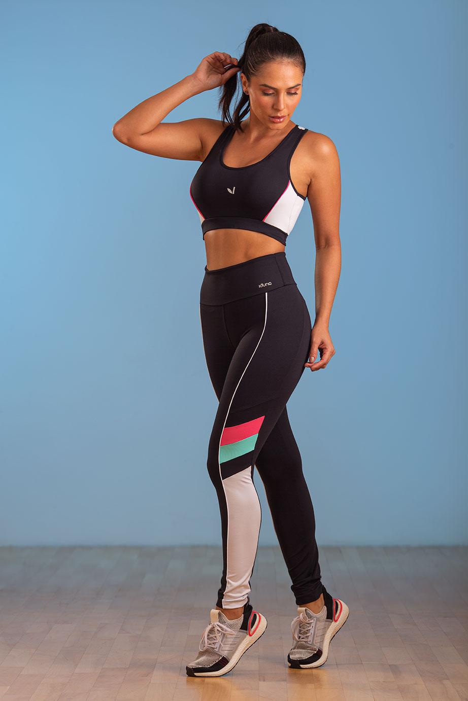Top Fitness Feminino Preto Bruna