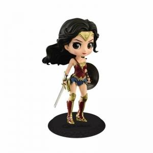Action Figure Wonder Woman Q posket - DC Comics
