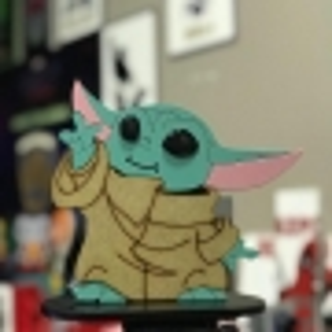 Boneco em Madeira Baby Yoda - Star Wars