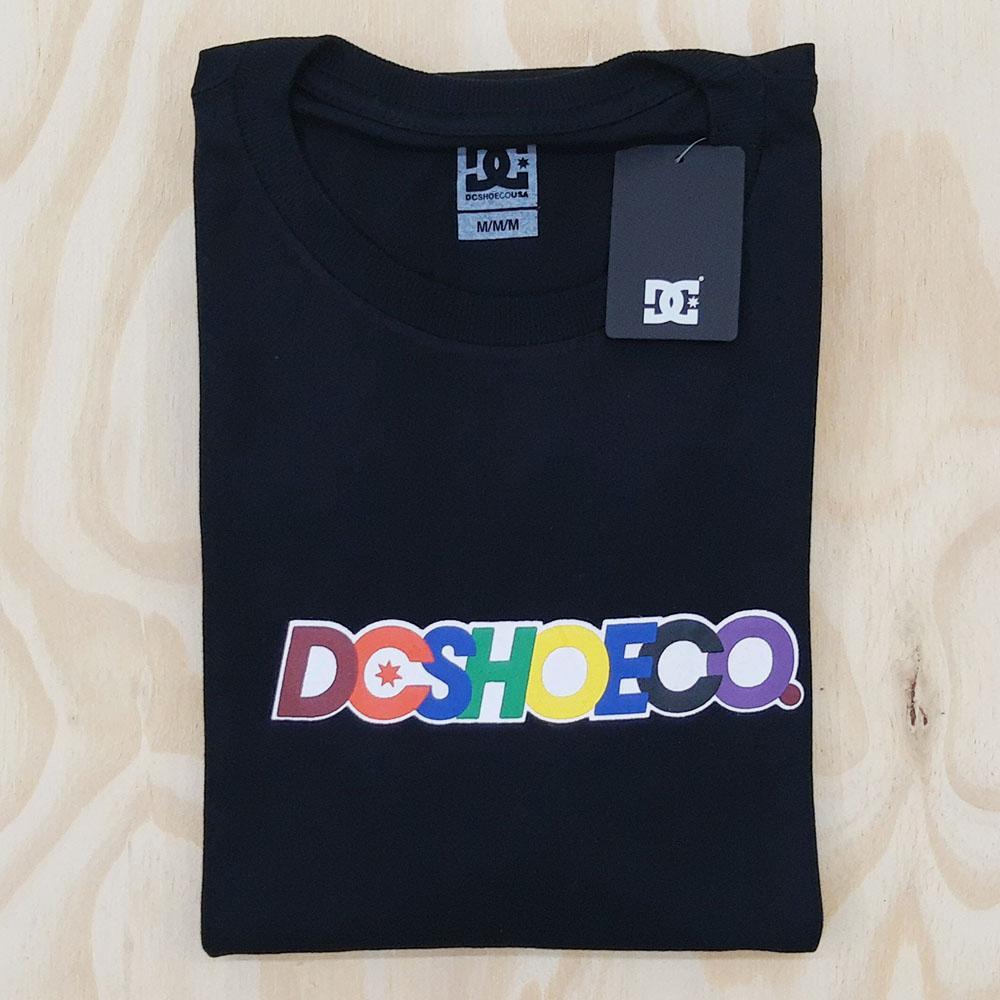 Camiseta DC Shoen Co Stacks Preto