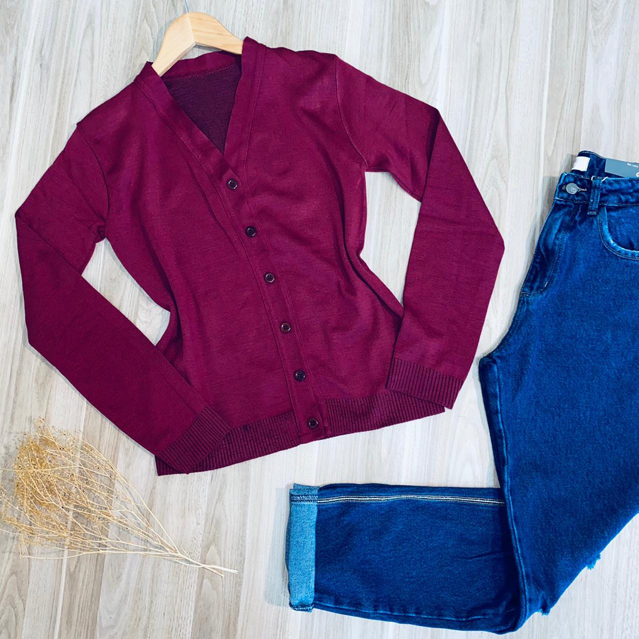 Blusa Cardigan Tricot com Botões Uva