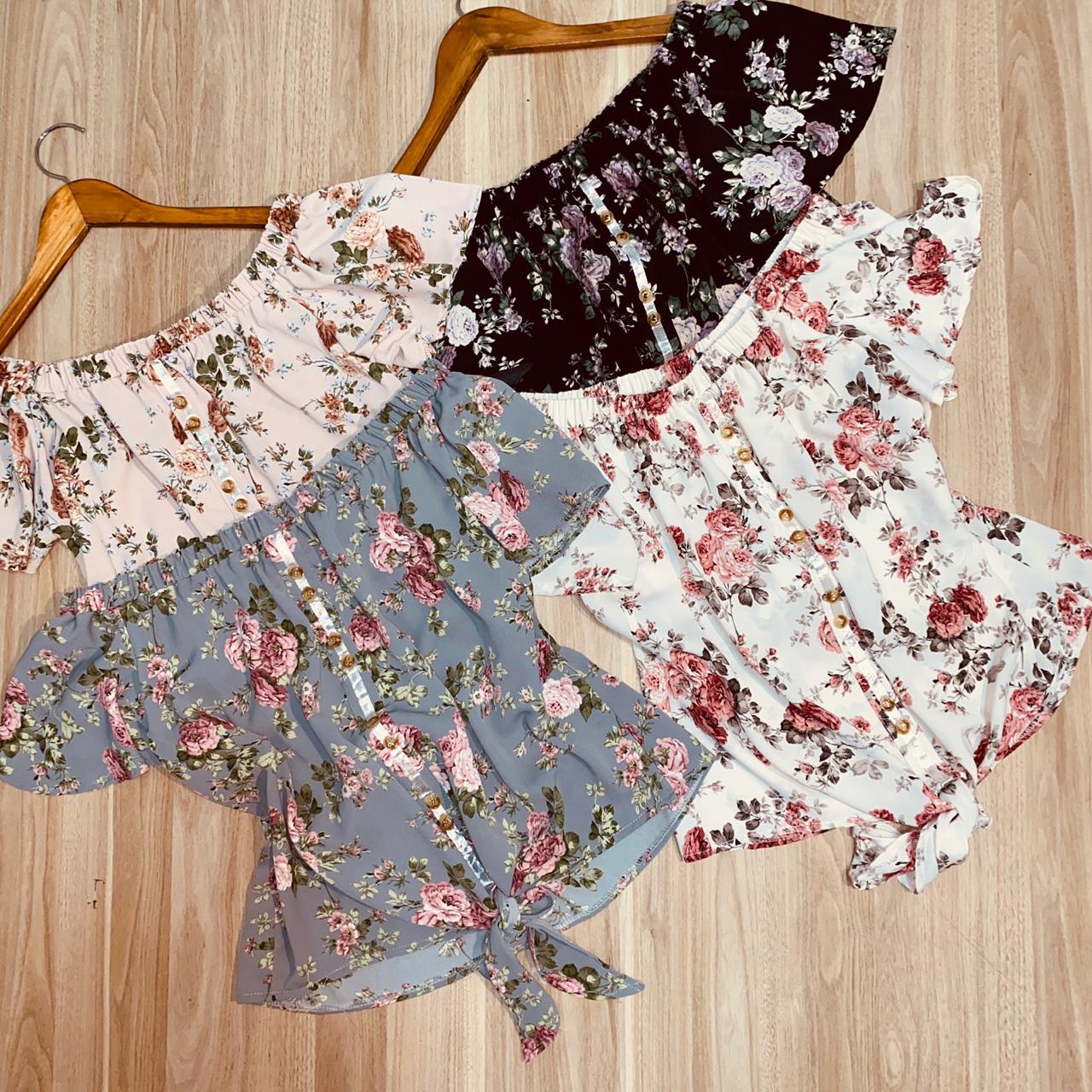 Blusa Ciganinha Botões Falsos de Amarrar Floral Mariah Preto