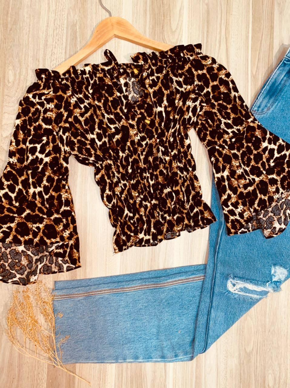 Blusa Ciganinha Cropped Manga 3/4 Flare com Lastex Oncinha