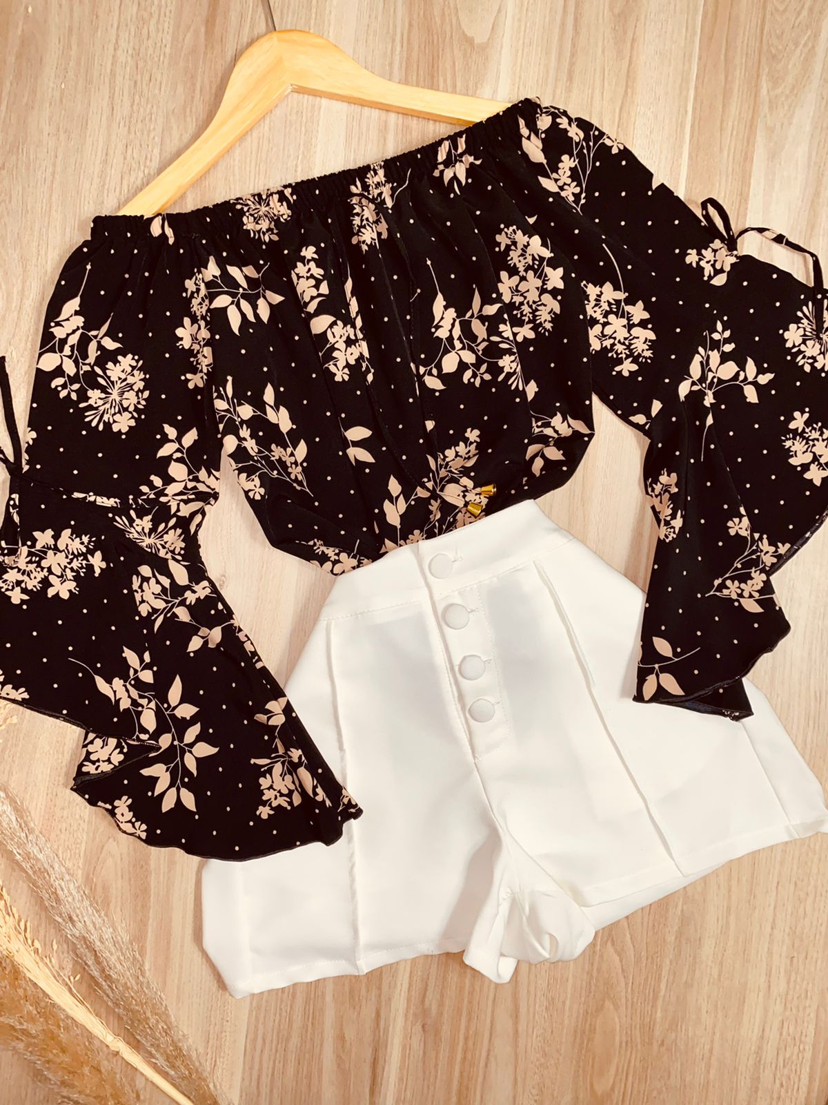 Blusa Ciganinha Manga 3|4 Lacinho Flores Poá Black