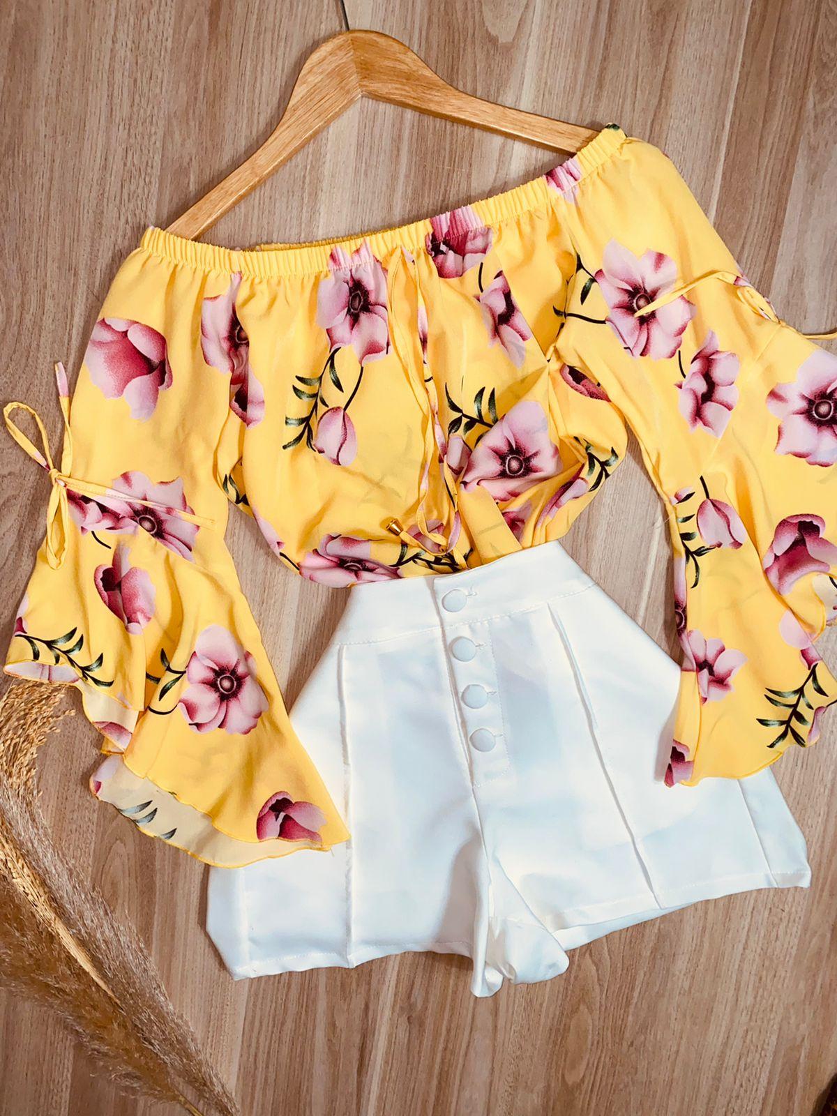 Blusa Ciganinha Manga 3|4 Lacinho Rosas Amarela