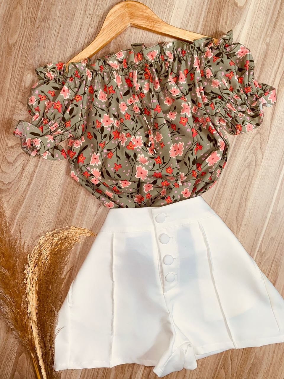 Blusa Ciganinha Manga Curta Floral Verde