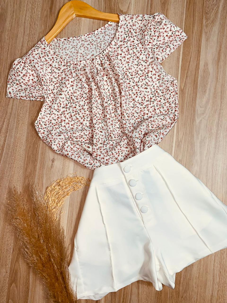 Blusa Manga Curta Floral Branca