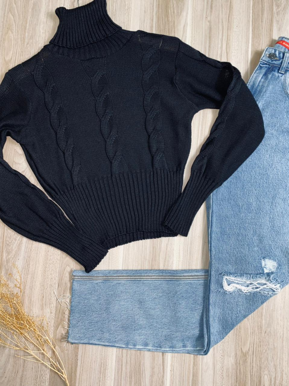 Blusa Tricot Gola Alta Tranças Black