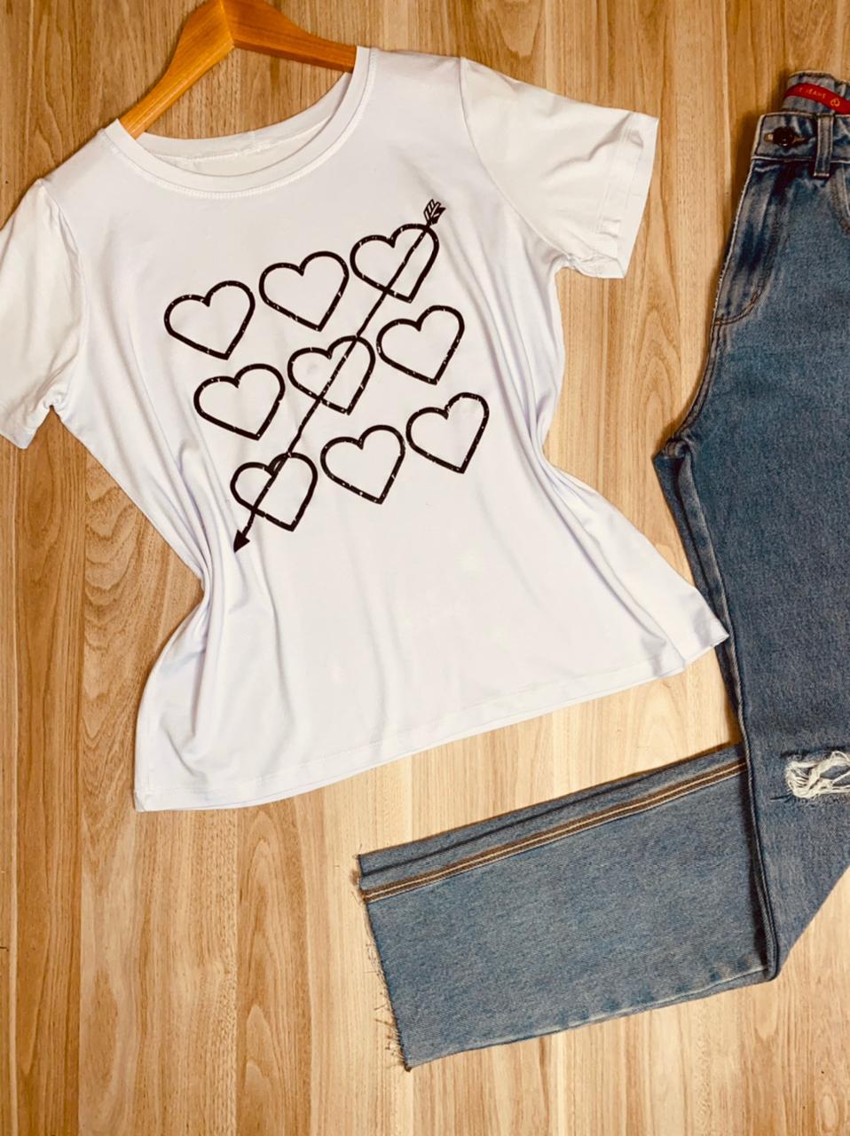 Camiseta Arrowed Heart