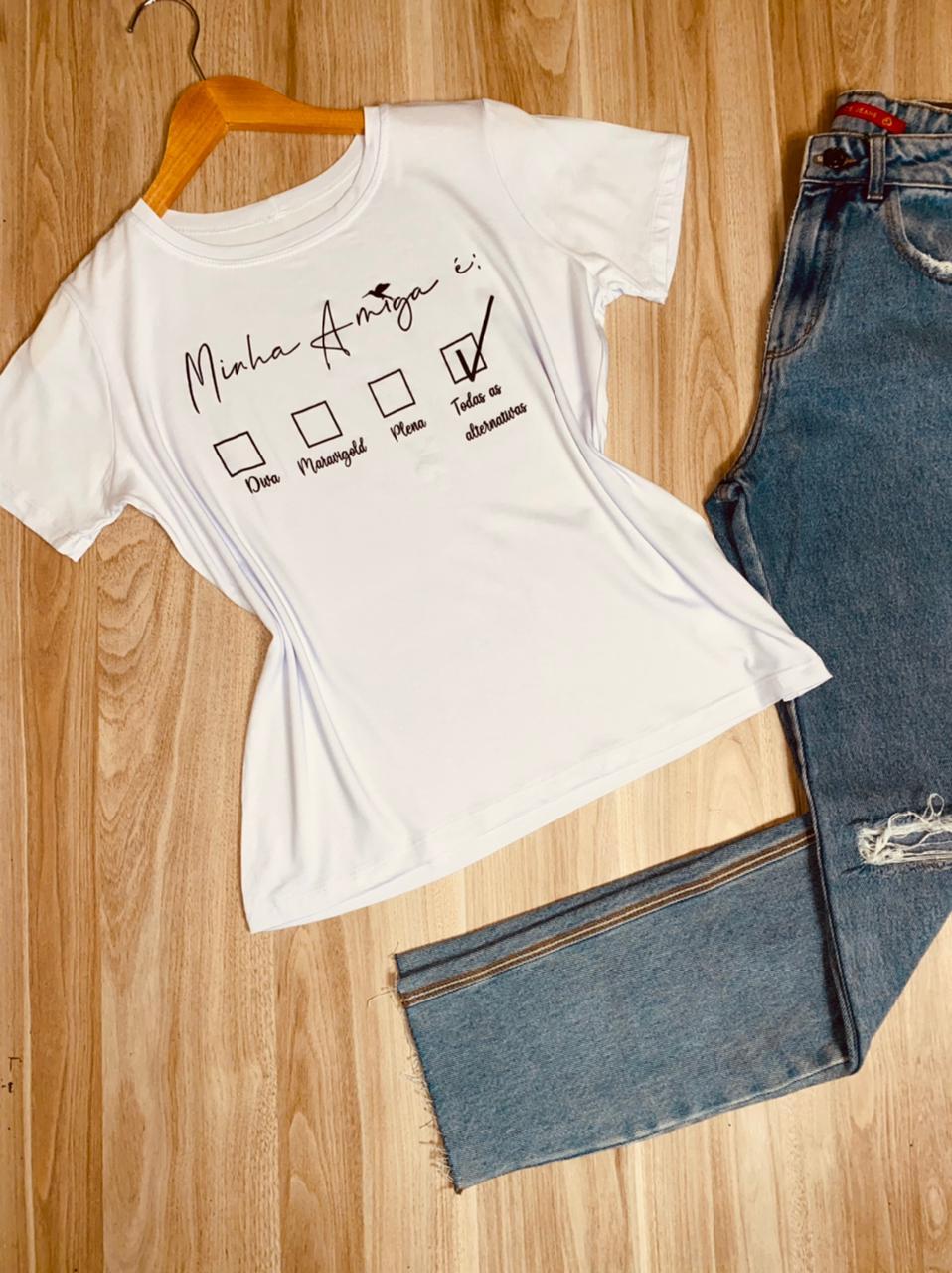Camiseta Minha Amiga é...