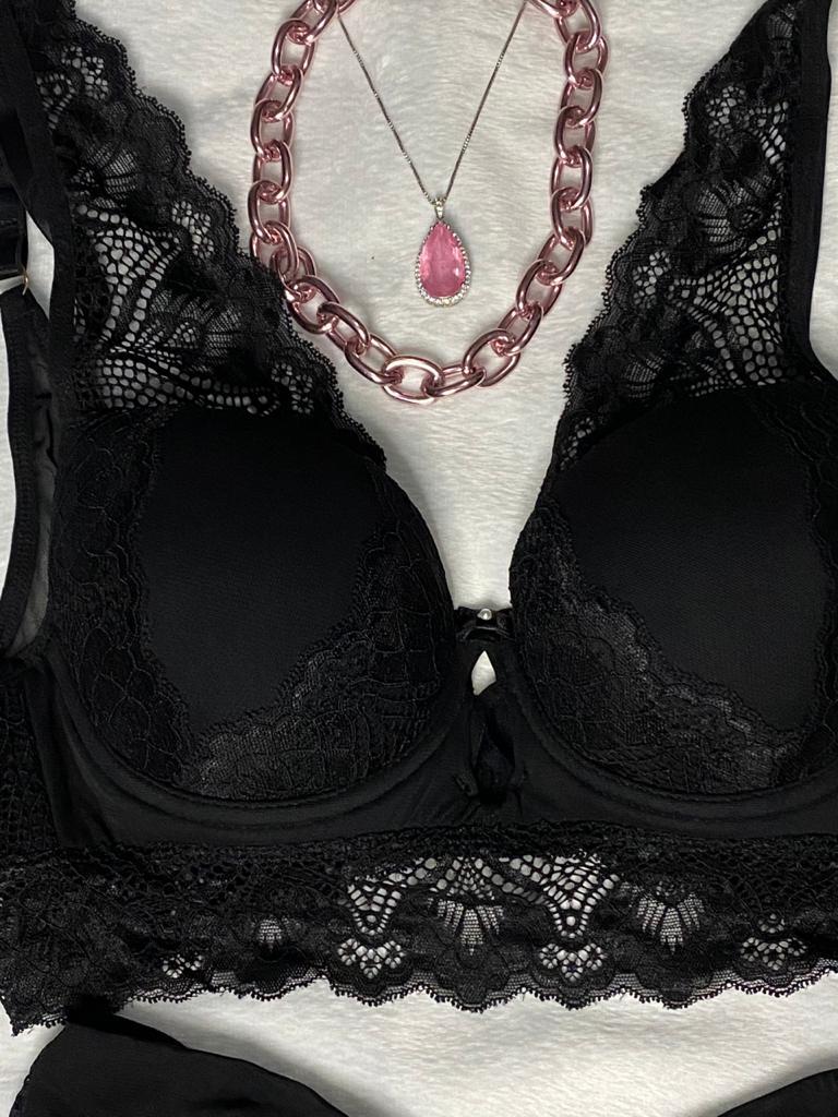 Conjunto Lingerie Luxo de Cropped/Blusinha de Tule e Renda
