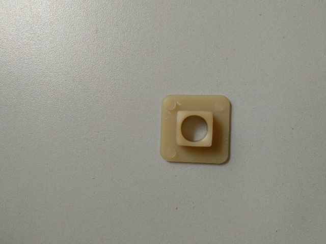 Bucha nylon quadrada 3/8 Macrotec
