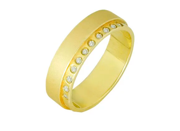 Aliança ouro amarelo e brilhantes