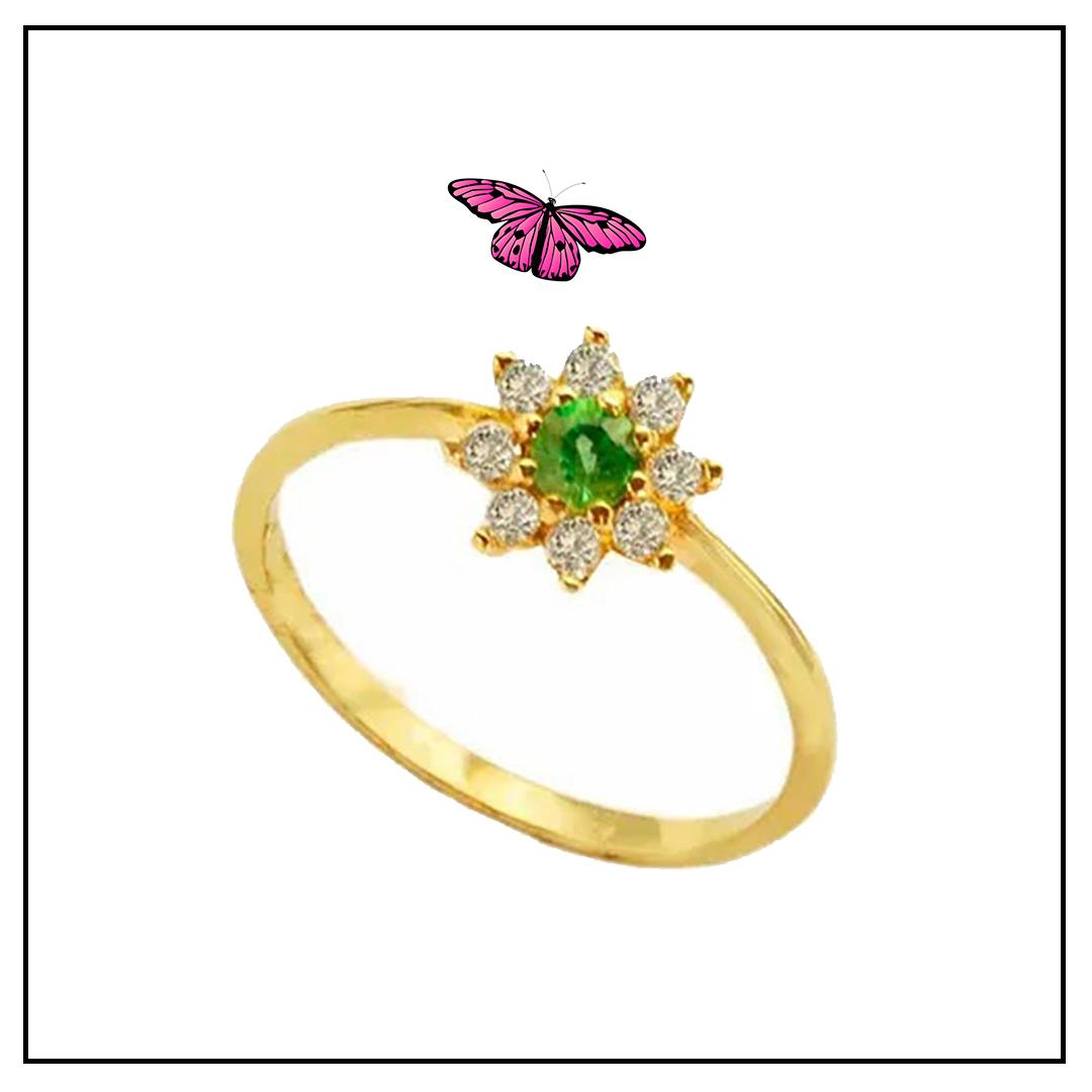 Anel Ouro Amarelo com Esmeralda e Brilhantes.