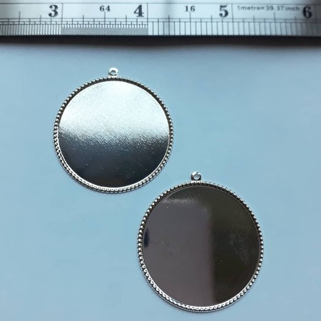 Ferragens - 2 Medalhas metalicas