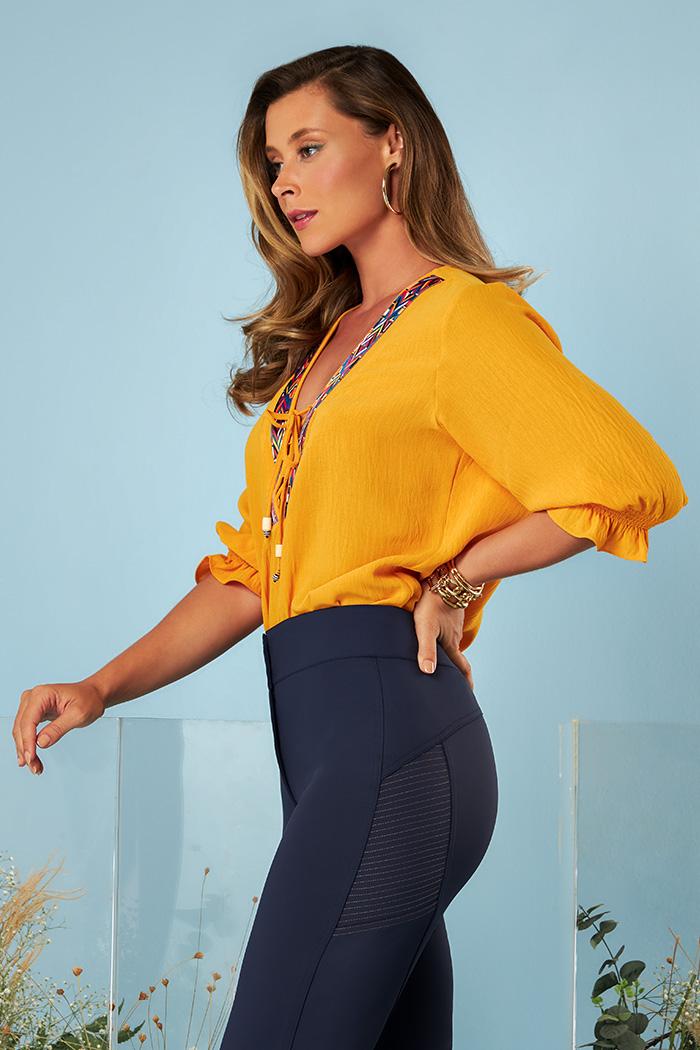 Blusa Detalhe Decote