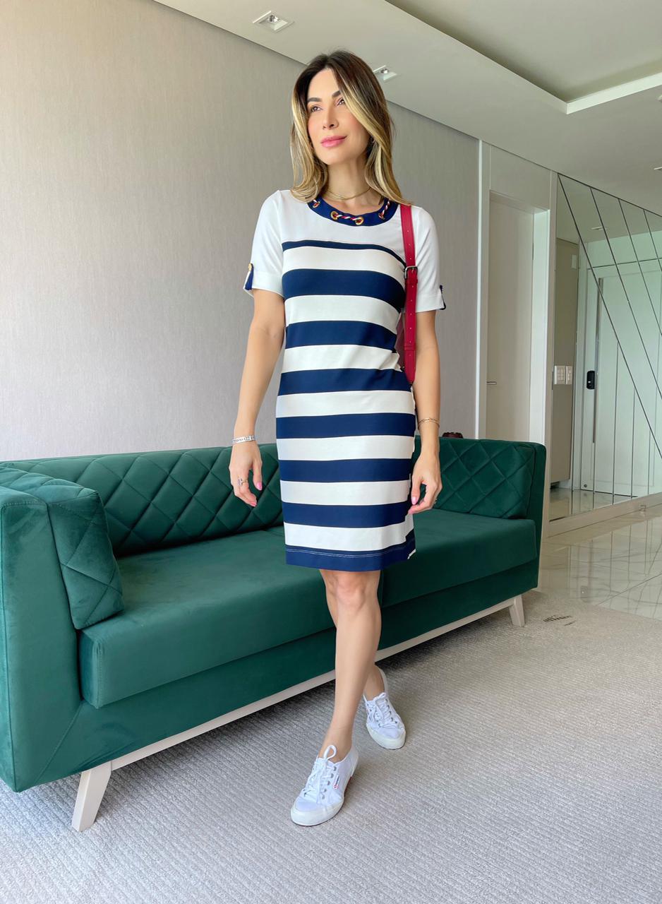 Vestido em Listra