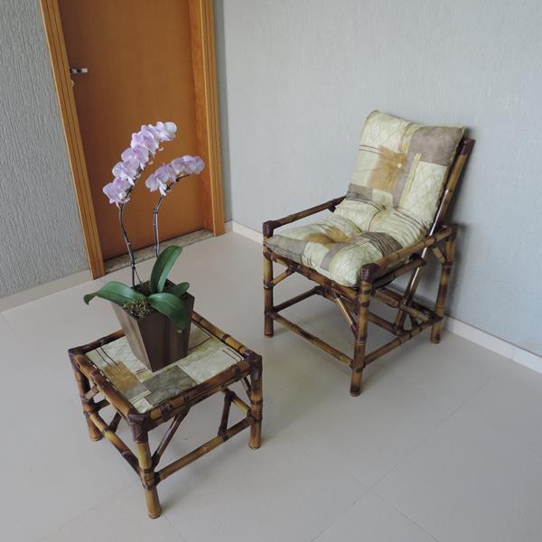 Cadeira de Bambu 1 Lugar com Almofada Retalho Bege