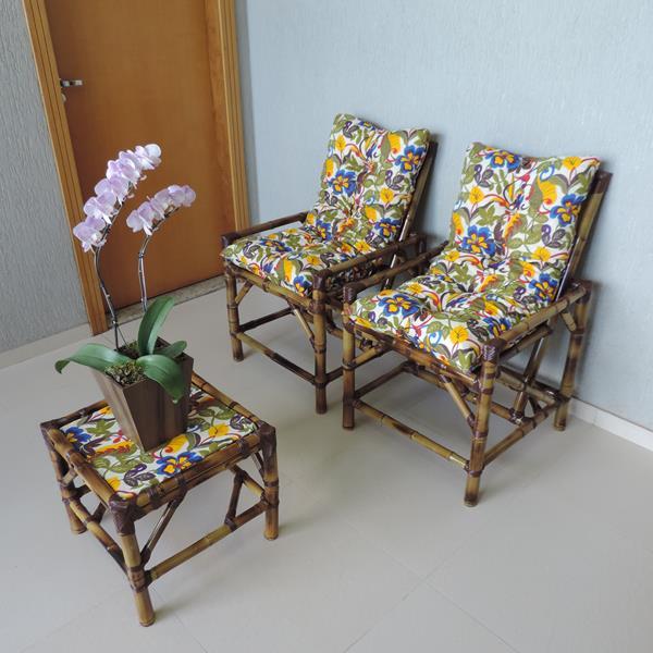 Kit Cadeiras de Bambu 2 Lugares com Almofadas Floral