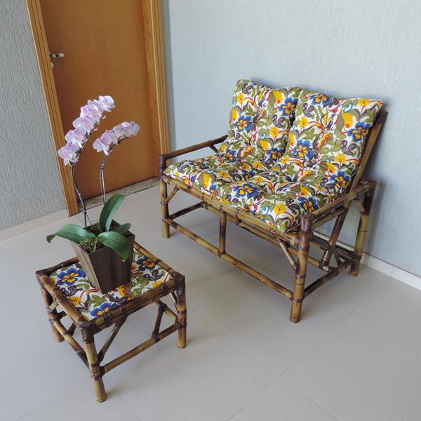 Kit Sofá de Bambu 2 Lugares com Almofadas Floral