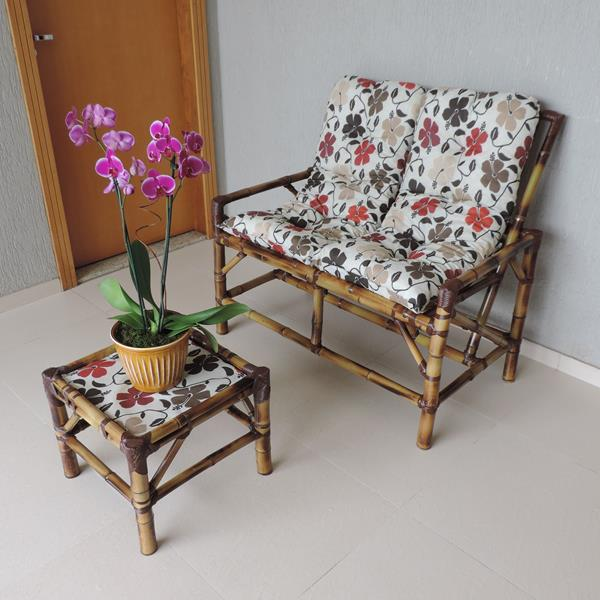 Kit Sofá de Bambu 2 Lugares com Almofadas Flores Hibiscos