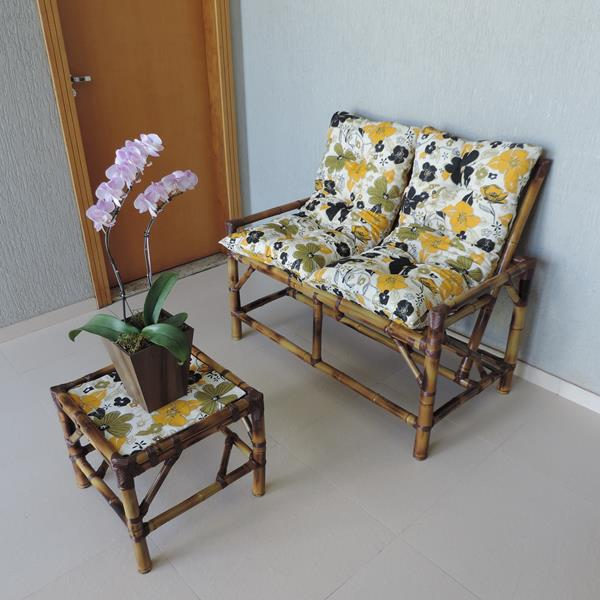 Kit Sofá de Bambu 2 Lugares com Almofadas Flores Preta