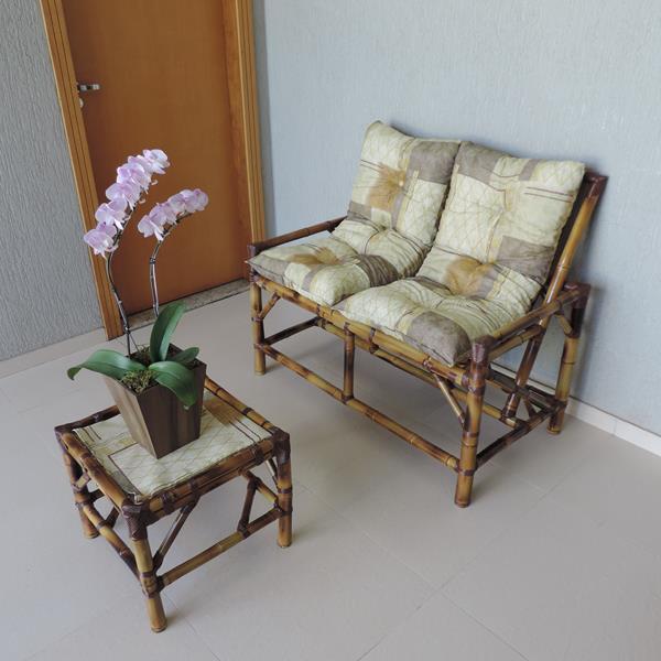 Kit Sofá de Bambu 2 Lugares com Almofadas Retalho Bege