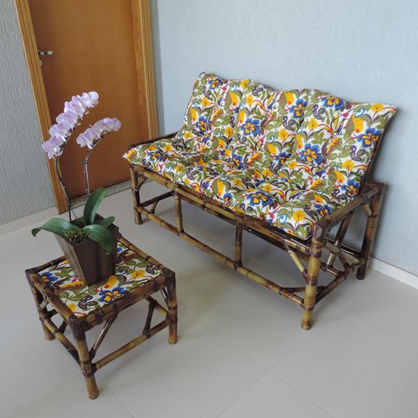 Kit Sofá de Bambu 3 Lugares com Almofadas Floral