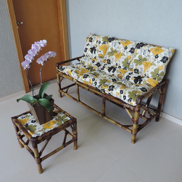 Kit Sofá de Bambu 3 Lugares com Almofadas Flores Preta