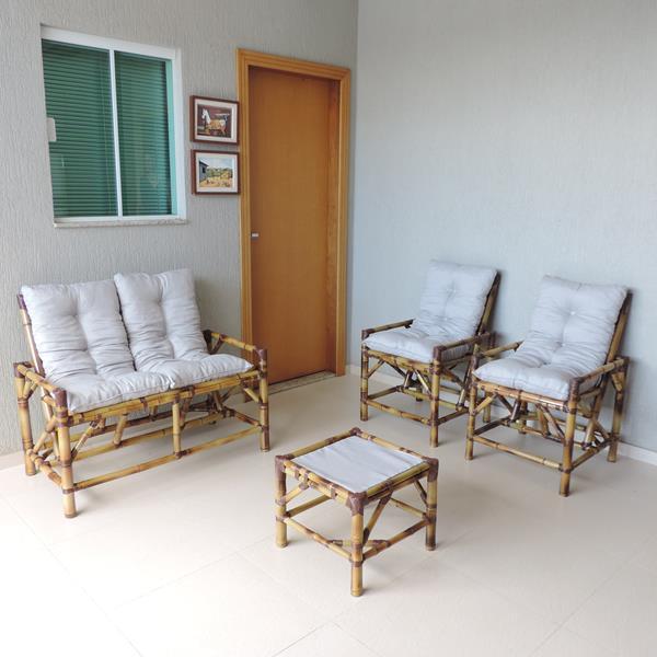 Kit Sofá de Bambu 4 Lugares com Almofadas Cinza