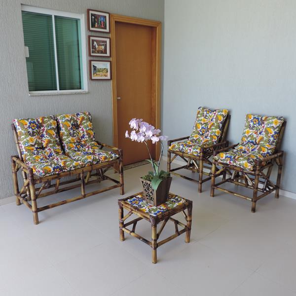 Kit Sofá de Bambu 4 Lugares com Almofadas Floral