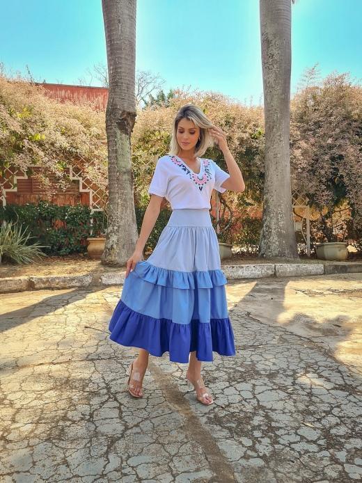 T-SHIRT MALHA OFF BORDADA LUZIA FAZZOLLI