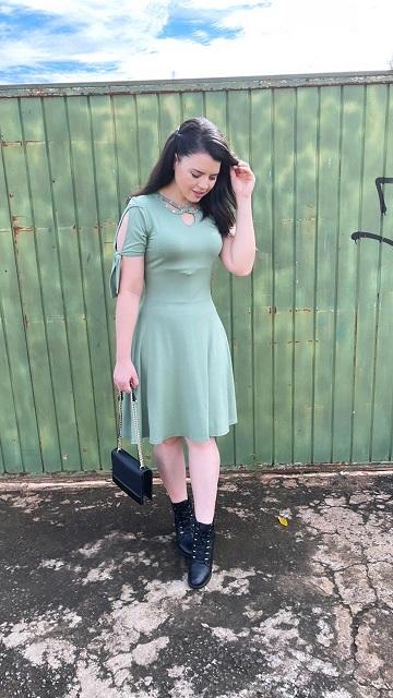 Vestido viscolycra detalhe decote